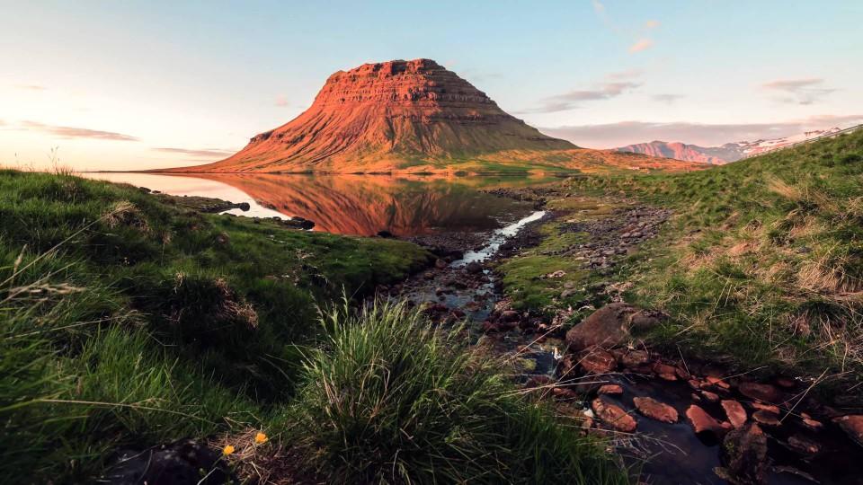 Legend 4K: A Journey Through Iceland