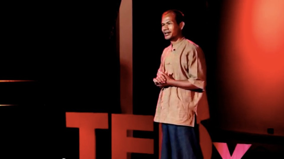 Life is easy. Why do we make it so hard? | Jon Jandai | TEDxDoiSuthep